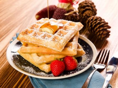 syrup: Waffles con jarabe de Crisp en una ca�da caliente  invierno