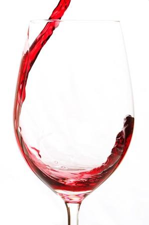 赤メルロー ワインをグラスに注ぐ