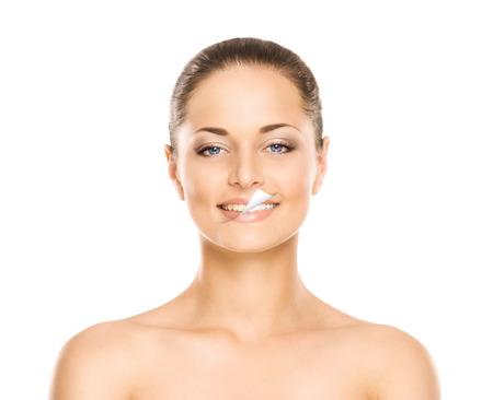 Beau sourire de la jeune, séduisant, frais, sain et naturel femme (avant et après notion) Banque d'images - 37868545