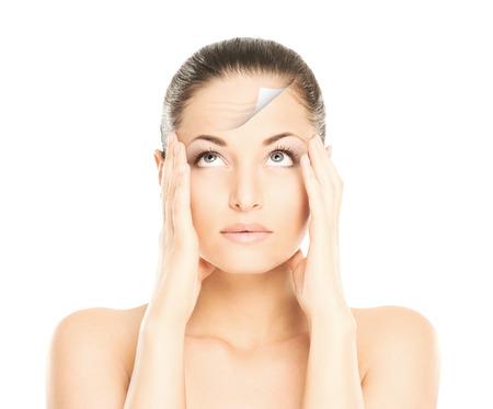 Portret van jonge en mooie vrouw. Spa, chirurgie, gezicht lifting en make-up voor en na concept. Stockfoto