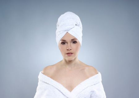 helthcare: Young, healthy and beautiful woman getting spa treatment