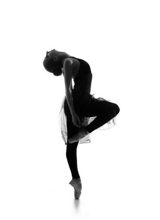 Trace noir et blanc de belle jeune danseuse de ballet isolé sur fond blanc Banque d'images - 38577678