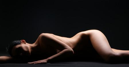 beaux seins: Belle corps nu de jeune et sexy femme Banque d'images