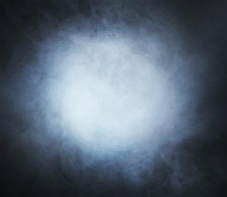 空白の黒い背景にテクスチャを煙します。 写真素材