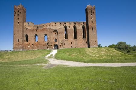 teutonic: Le rovine del castello medievale dell'Ordine Teutonico in Radzyn Chelminski, Polonia Editoriali