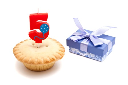 five years': five years birthday candle with cupcake