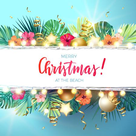 Weihnachten auf dem Sommerstranddesign mit Monsterapalmblättern, Hibiscusblumen, Weihnachtsbällen und Goldglühenden Sternen, Vektorillustration. Vektorgrafik