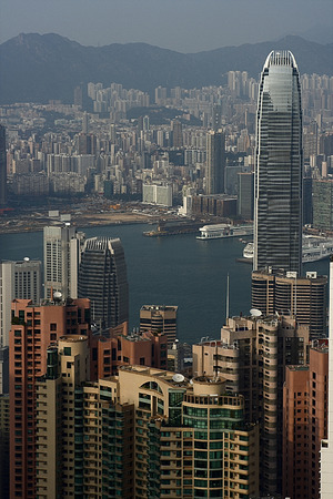 Hong Kong Island and Kowloon Skyline fotographed from the Peak (China) Stock Photo - 1526706