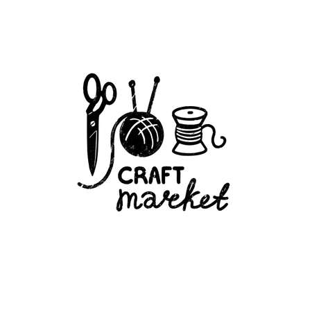 Craft market vector logo - a vintage scissors, ball of wool and spool of thread in stamp style with craft market hand lettering. Vintage vector illustration 矢量图像