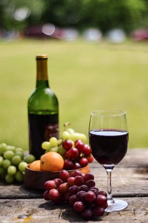 ワインはフルーツ盛り合わせ