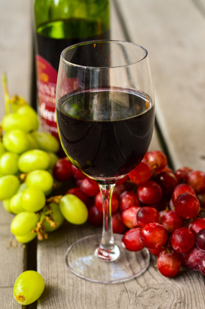 redwine: Red Wine with grapes