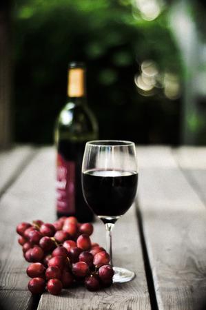 赤ワインおよびワインのブドウ