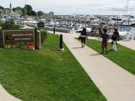 mackinac: Tourists at State Harbour at Mackinac Island