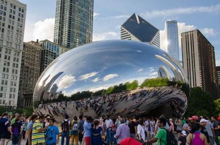 シカゴのミレニアムパークで観光客 写真素材 - 31296281