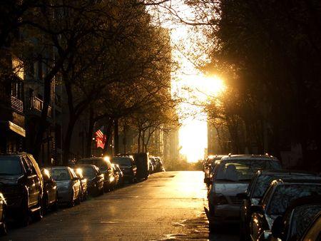Sonntag dabei über West 71. Straße, Manhattan, New York