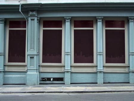 Leere Schaufenster auf einer Straße, Manhattan, New York