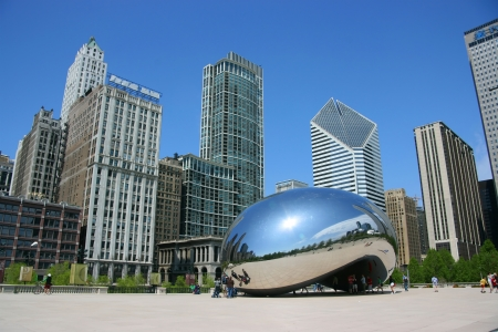 Cloud Gate sculpture aka The bean, Millennium Park, Chicago, Illinois