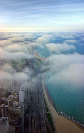 Michigan See, die unter Wolken Luftbild bei Sonnenuntergang  Lizenzfreie Bilder