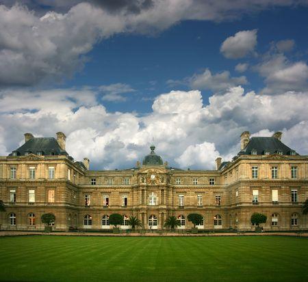 Luxemburg-Palast in Paris, wie aus dem Garten.