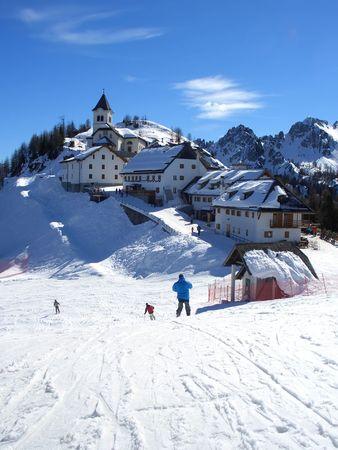 Dorf auf dem Gipfel des Monte Lussari in Friaul, Italien