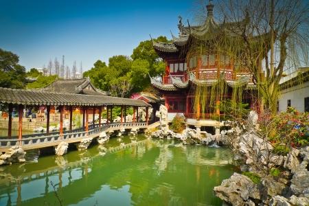 Traditionelle Pavillons in Yuyuan Gardens, Shanghai, China Standard-Bild - 17591898