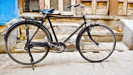 Alte Klassiker Fahrrad in den Straßen von Bikaner, Rajasthan, Indien