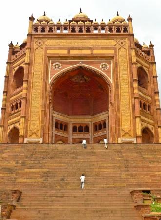 fatehpur: Buland Darwaza, the 54 meters high entrance to Fatehpur Sikri complex, Uttar Pradesh, India