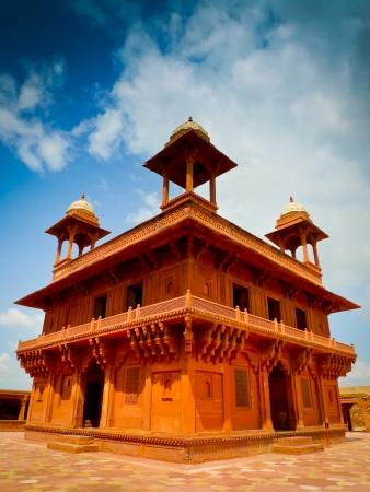 fatehpur: Diwan-i-Khas, the hall of private audience in Fatehpur Sikri, Uttar Pradesh, India