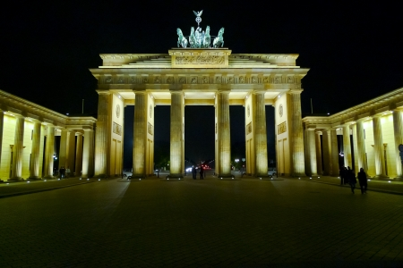 Brandenburg gate at night (Brandenburger Tor) in Pariser Platz, Berlin, Germany photo