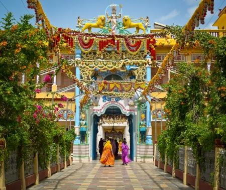 festones: Guirnaldas de Rani Sati templo, Jhunjhunu, Rajasthan, India