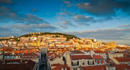 Sunset Blick über Baixa, Alfama und Castelo de Sao Jorge, Lissabon, Portugal