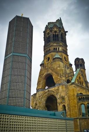 bombed city: Kaiser Wilhelm Memorial Church (Kaiser-Wilhelm-Gedachtniskirche), Berlin, Germany Stock Photo