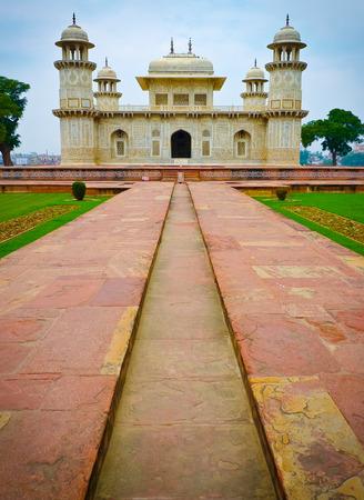Itmad-Ud-Daulah Grab in Agra, Uttar Pradesh, Indien. Auch als der Jewel Box oder dem Baby Taj bekannt.