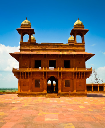 Diwan-i-Khas, the hall of private audience in Fatehpur Sikri, Uttar Pradesh, India