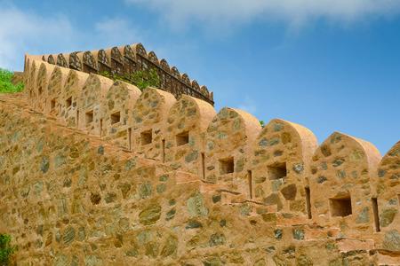 Kumbhalgarh Festung Zinnen und Treppe, Rajasthan, Indien