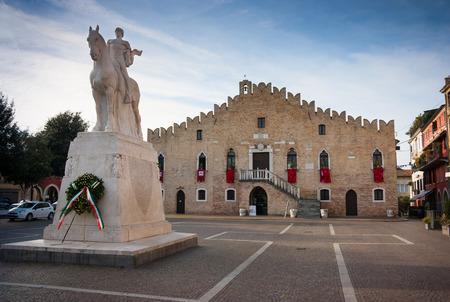 Rathaus in der Piazza della Repubblica, Portogruaro, Venetien, Italien Lizenzfreie Bilder