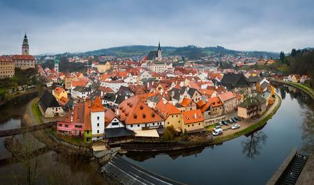 Panorama of the of Cesky Krumlov old town and Vltava river, Czech Republic Standard-Bild