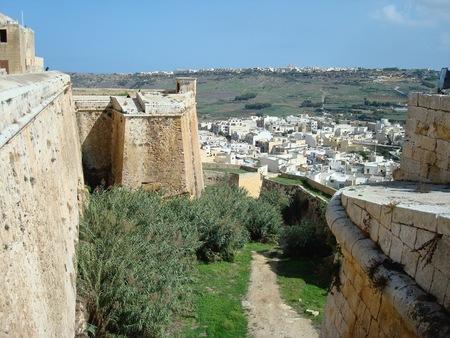 チッタデッラの城壁とビクトリア ラバト、ゴゾ島、マルタ、ヨーロッパの都市