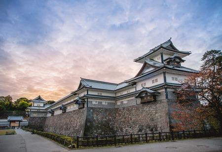 Landschap van kasteel van Kanazawa van de avond