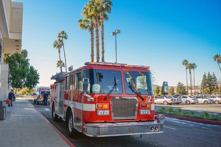voiture de pompiers: Feu moteur Éditoriale