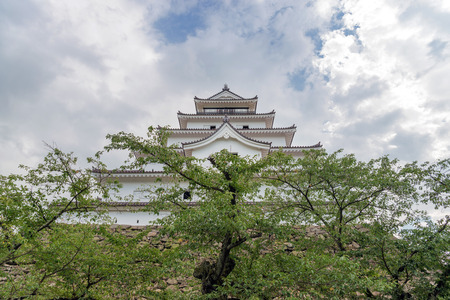 De kasteel toren van het Aizu Wakamatsu Kasteel in Fukushima, Japan Redactioneel