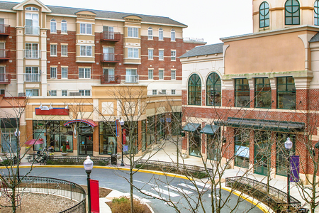 Scenery of the shopping street in Fairfax, Virginia