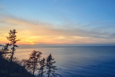 日本海の夕日のシーン