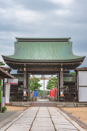 Shinmon gate of the Oishi shrine in Ako city