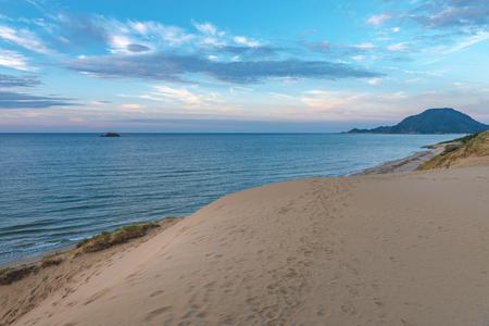 Scenario serale delle dune di sabbia di Tottori