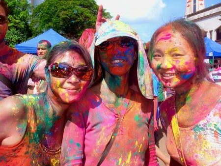 fr�hlingsfest: HOLI Fr�hlingsfest der Farben