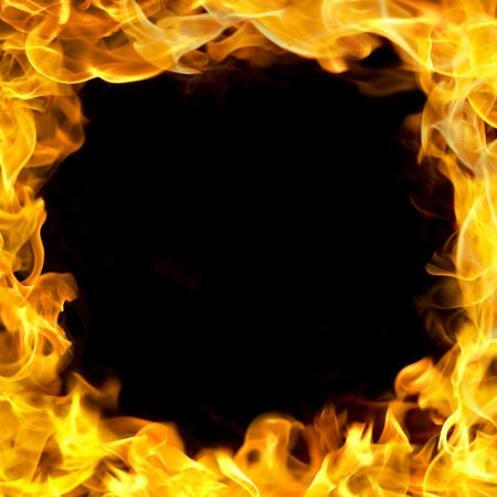 lángok: tűz lángok határon, másolás tér közepén.