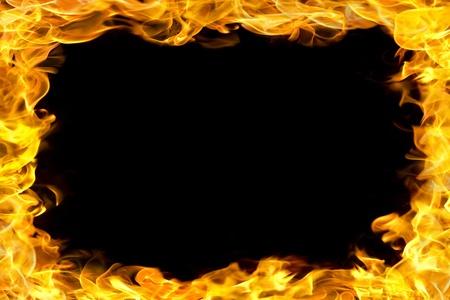 resplandor: llamas de fuego frontera, espacio de la copia en el centro.