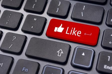 thumb keys: Un mensaje como el teclado para introducir los conceptos de medios sociales.