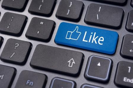 vida social: Un mensaje como el teclado para introducir los conceptos de medios sociales.